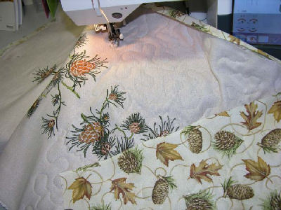ABC: Embroidery Projects, Quilted Table Runner With Pine Cones